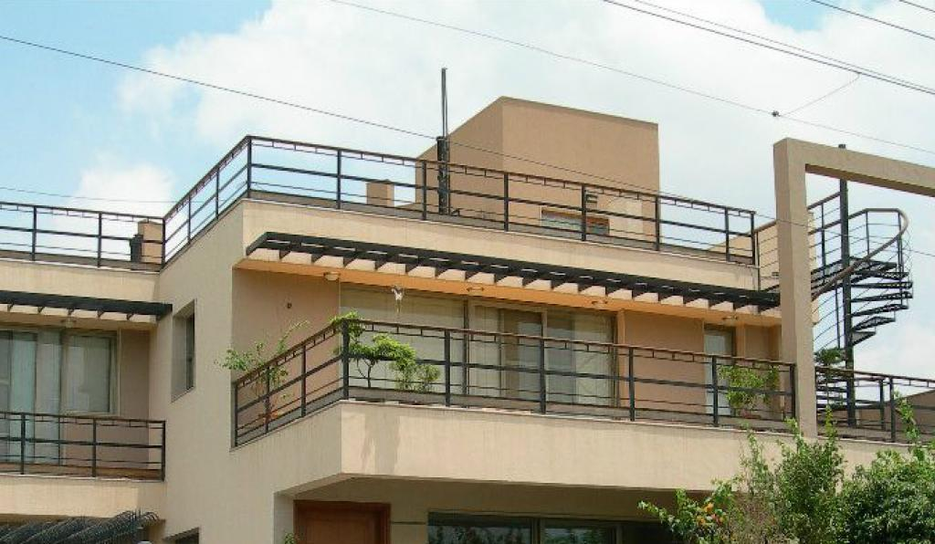 Mesmerizing balcony design front view ideas simple for Normal house plans photos